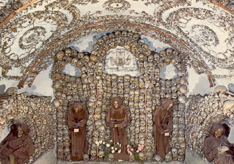 how to get to capuchin crypt